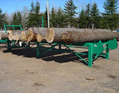 Infeed deck to sawmill